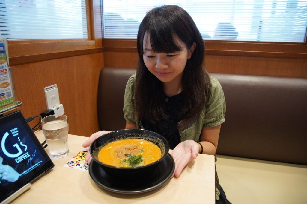 ガストで糖質制限担々麺を食べる